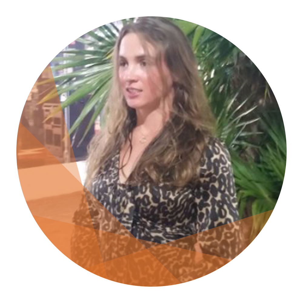 "Elena Tarassenko / Executive team, Head of Horyou New York  <a href=""https://www.linkedin.com/in/etara/"" target=""_blank""> <?xml version=""1.0"" encoding=""UTF-8"" standalone=""no""?> <svg xmlns=""http://www.w3.org/2000/svg"" width=""16"" height=""16"" viewBox=""0 0 24 24""><path d=""M19 0h-14c-2.761 0-5 2.239-5 5v14c0 2.761 2.239 5 5 5h14c2.762 0 5-2.239 5-5v-14c0-2.761-2.238-5-5-5zm-11 19h-3v-11h3v11zm-1.5-12.268c-.966 0-1.75-.79-1.75-1.764s.784-1.764 1.75-1.764 1.75.79 1.75 1.764-.783 1.764-1.75 1.764zm13.5 12.268h-3v-5.604c0-3.368-4-3.113-4 0v5.604h-3v-11h3v1.765c1.396-2.586 7-2.777 7 2.476v6.759z""     style=""fill:#0077B5""></path> </svg> </a>"